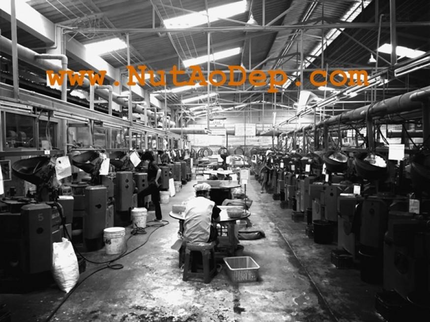 Nhà máy sản xuất nút cúc